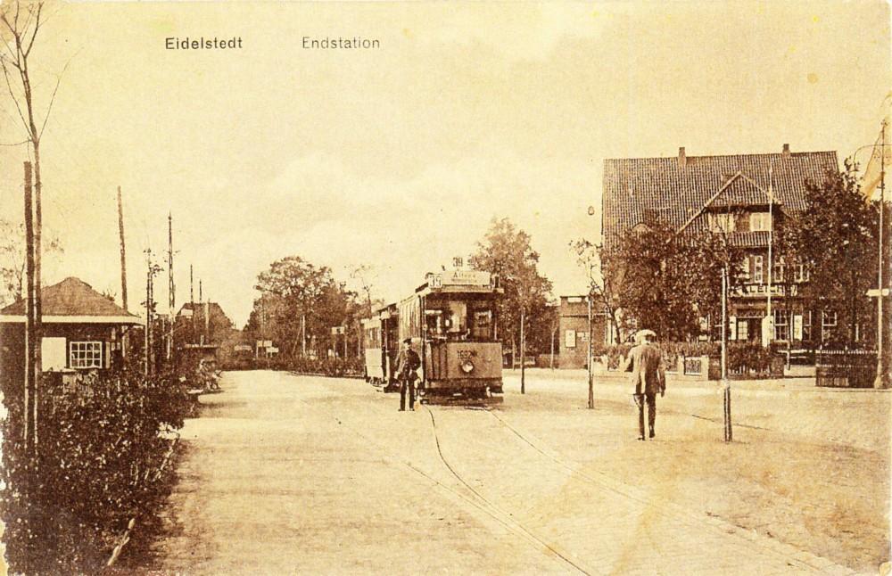 Endstation der Straßenbahn auf dem Eidelstedter Platz,